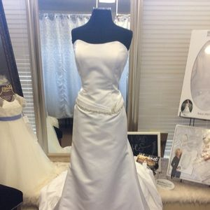 Dresses & Skirts - Strapless Satin Bridal Gown